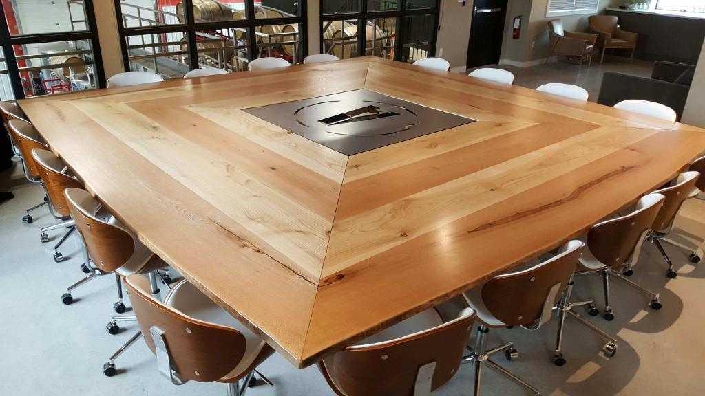 adamo-winery-br-table