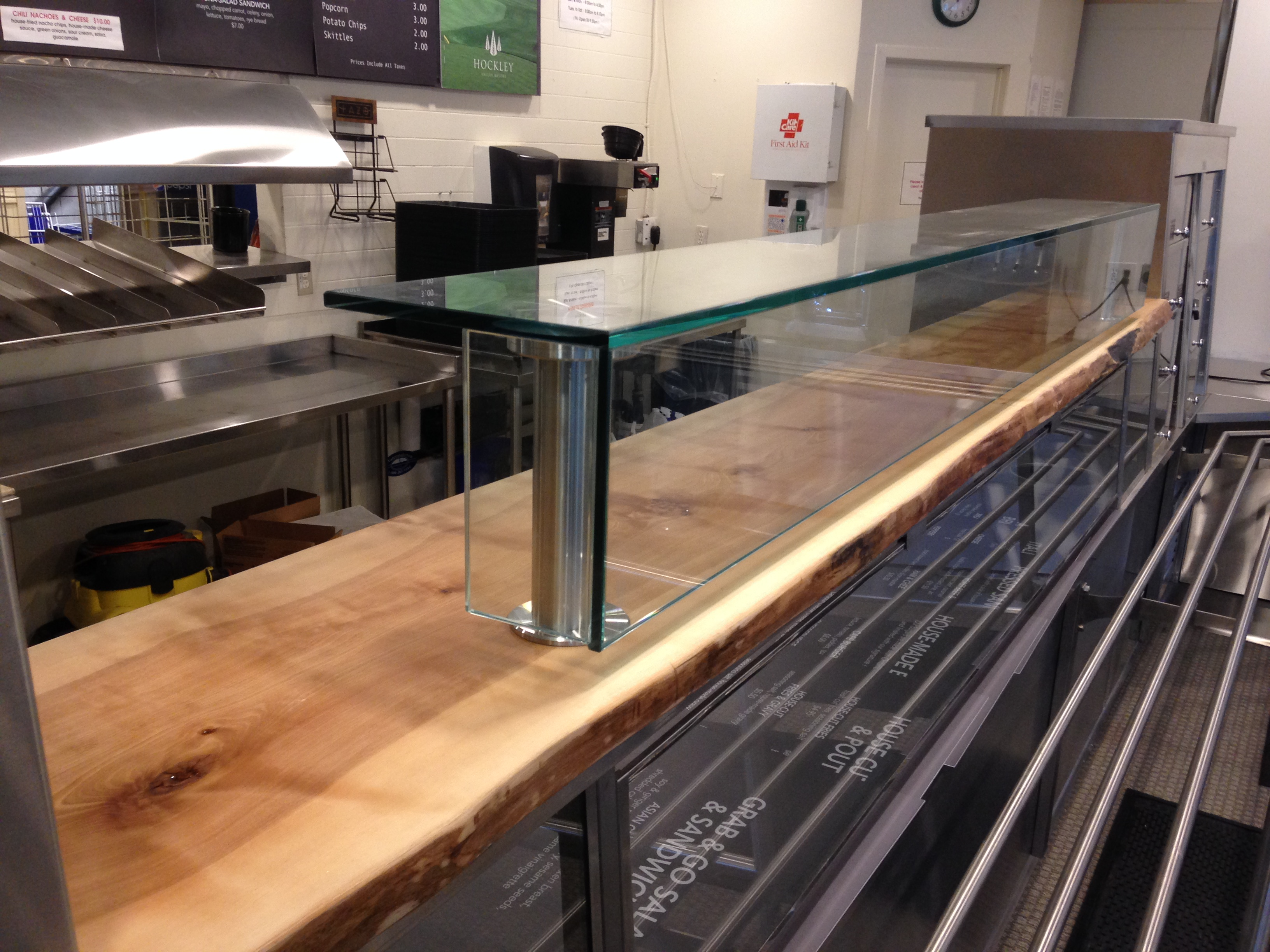 hockley-serving-counter